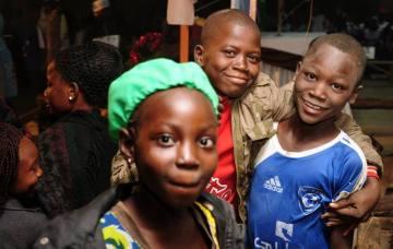 Zdjęcia z podróży do Czadu - dzieciaki