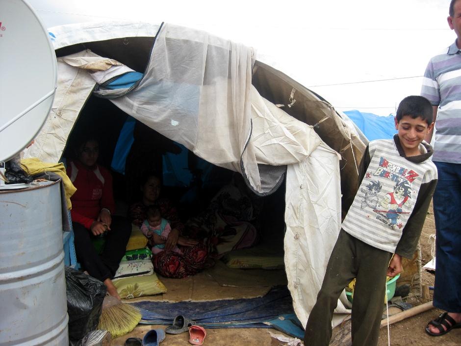 Syryjczycy mieszkają w prowizorycznych namiotach