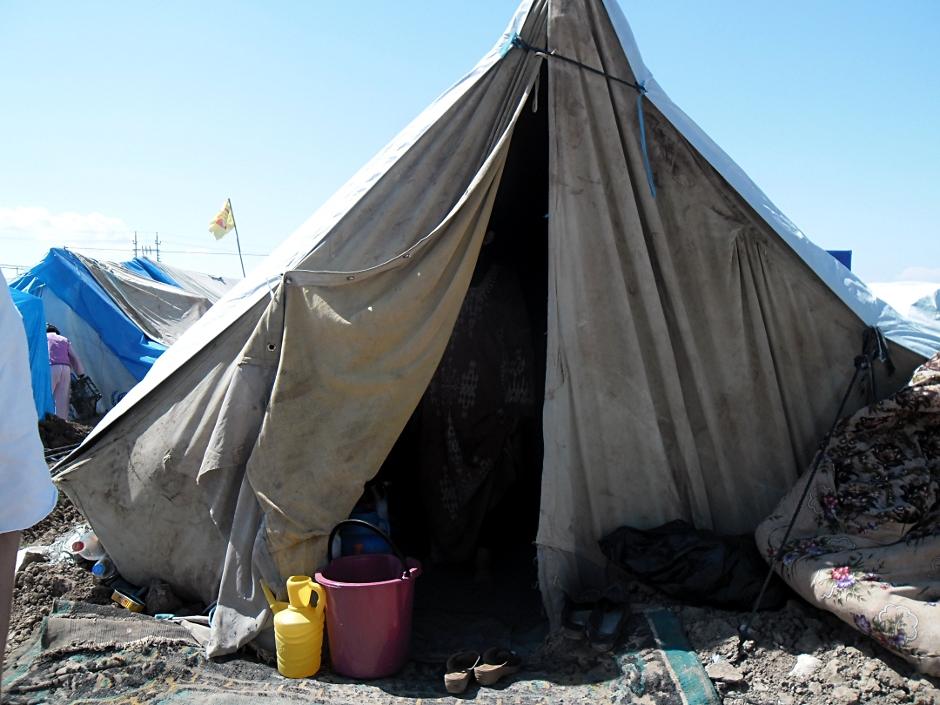 W Irackim Kurdystanie powstają namiotowe obozy dla Syryjczyków
