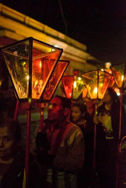 Bożonarodzeniowa procesja w Gwatemali