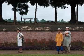 Młodzi muzułmańscy Bengalczycy