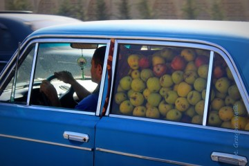 Samochód pełen jabłek - wakacyjna podróż do Azerbejdżanu