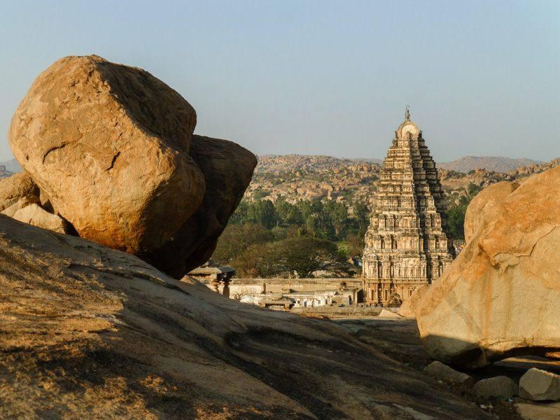 Indie, Hampi, świątynia Virupasha - foto