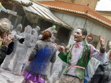 Bitwa na make w Grecji podczas świeta
