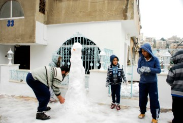 Zima na bliskim Wschodzie - snieg w Ammanie - foto, zdjęcia