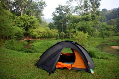 Nocleg pod namiotem w George Town