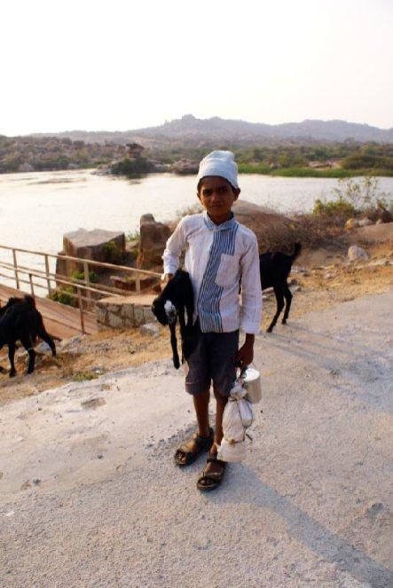 Mały pasterz z Indii