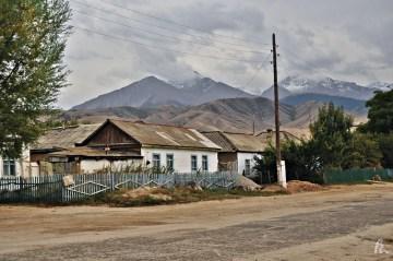 Zdjęcia z podrózy przez Kirgistan - Tamga