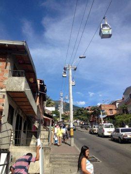 Nadziemna kolejka w Medellin w Kolumbii