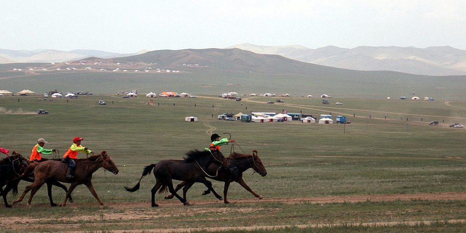 Święto naadam w Mongolii. Wyścigi konne