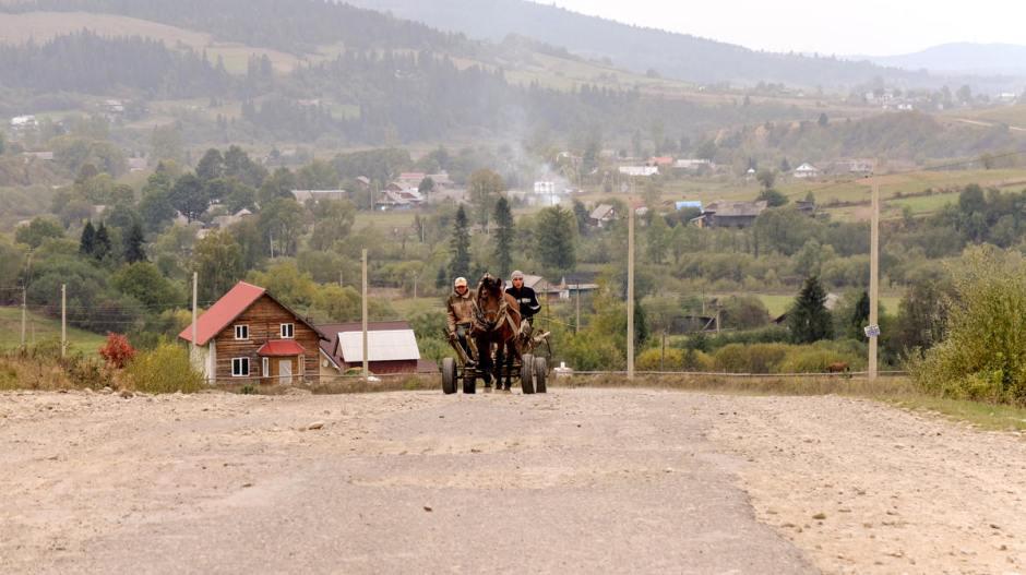 Wieś na Ukrainie w Karpatach