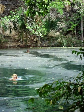 Kąpiel w dżungli. Meksyk