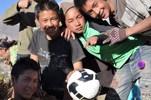 Sześć lat temu na boisku: Sonam Tsering, Karma Choesong i Ngawang Thupten
