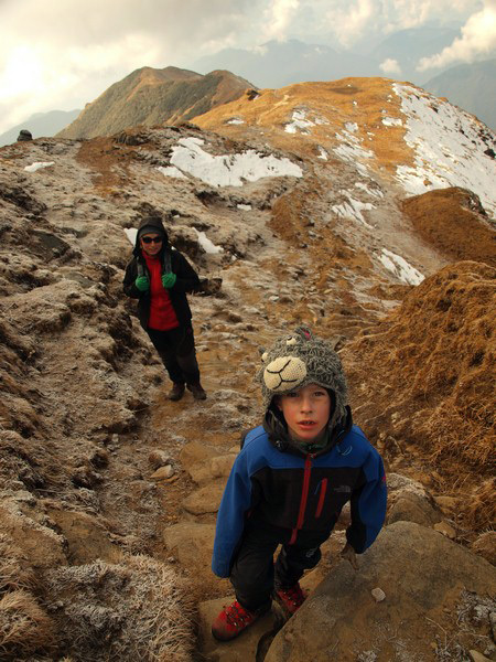 Natalia Tokarczyk i jej syn Maks w trakcie trekkingu w Himalajach