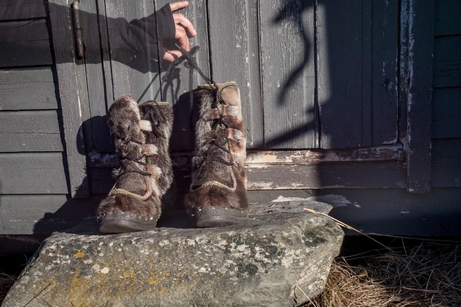 Podróż przez Laponię. Buty ze skóry renifera