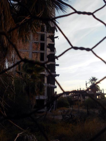 Cypr, Varosha - opuszczona dzielnica Famagusty - foto