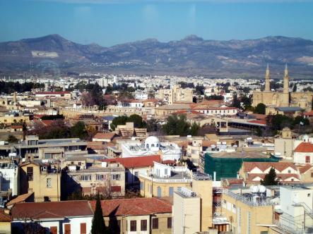 Cypr, widok na północną, turecką część Nikozji