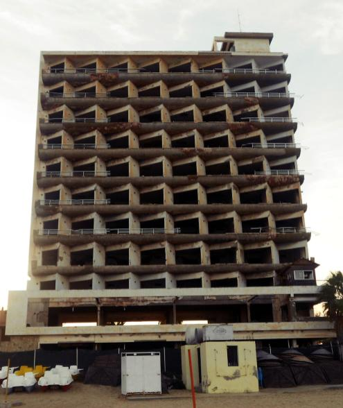 Zdjęcia z Cypru, Varosha - opuszczona dzielnica