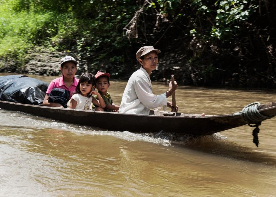 Wyspa Siberut, podróż pirogą
