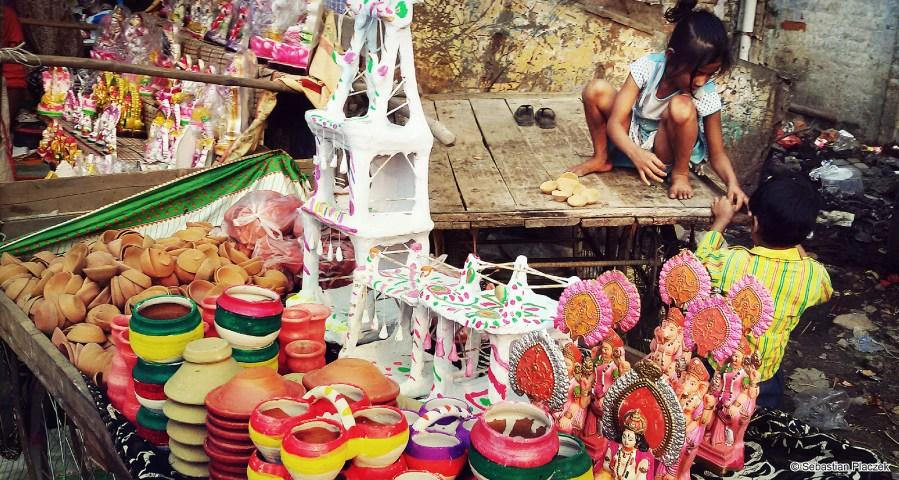 Indie, na ulicy w Kanpur. Zdjęcia z podróży po Azji