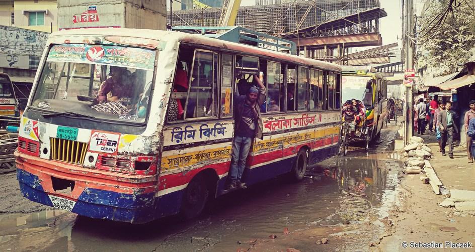 Bangladesz, Dhaka - zdjęcia z podróży, autobus miejski