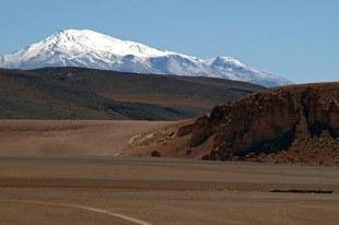 Chile, Pustynia Atacama, góry na horyzoncie