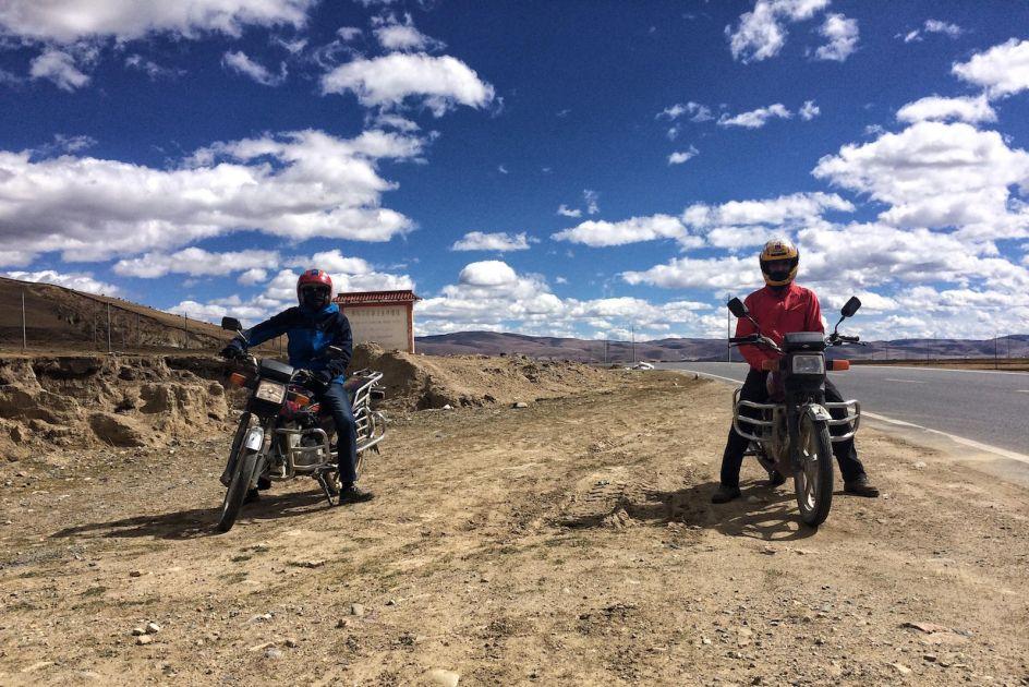 Tybetańskie Chiny, podróż motocyklem