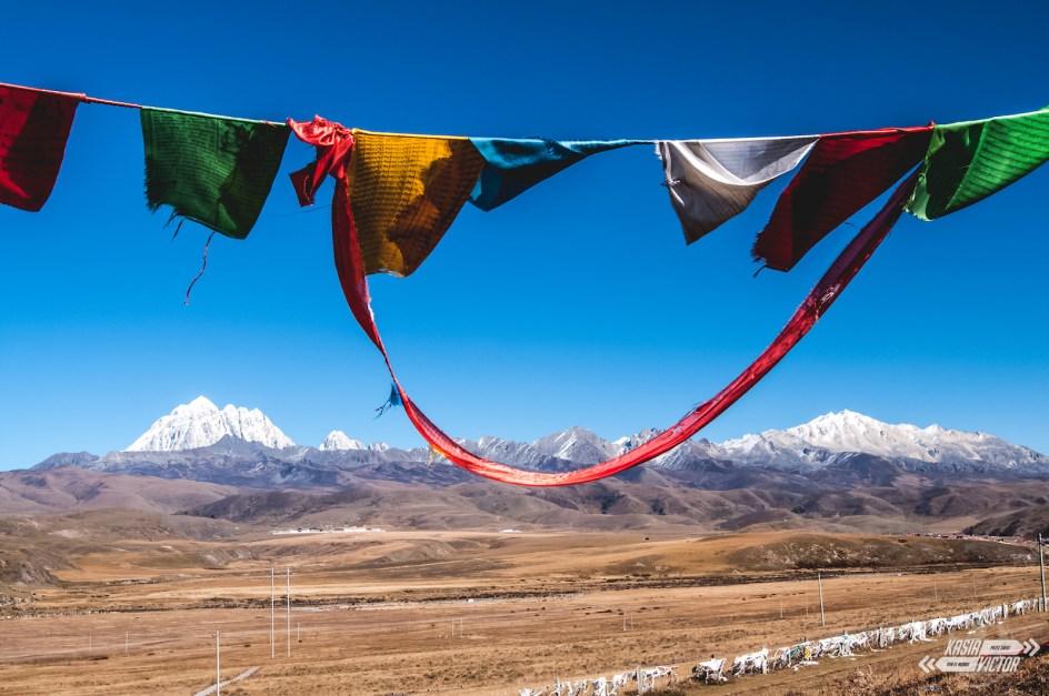 Tagong chińskim Tybecie, flagi modlitewne
