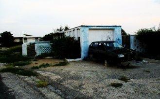 Aruba, zarośnięty, opuszczony dom