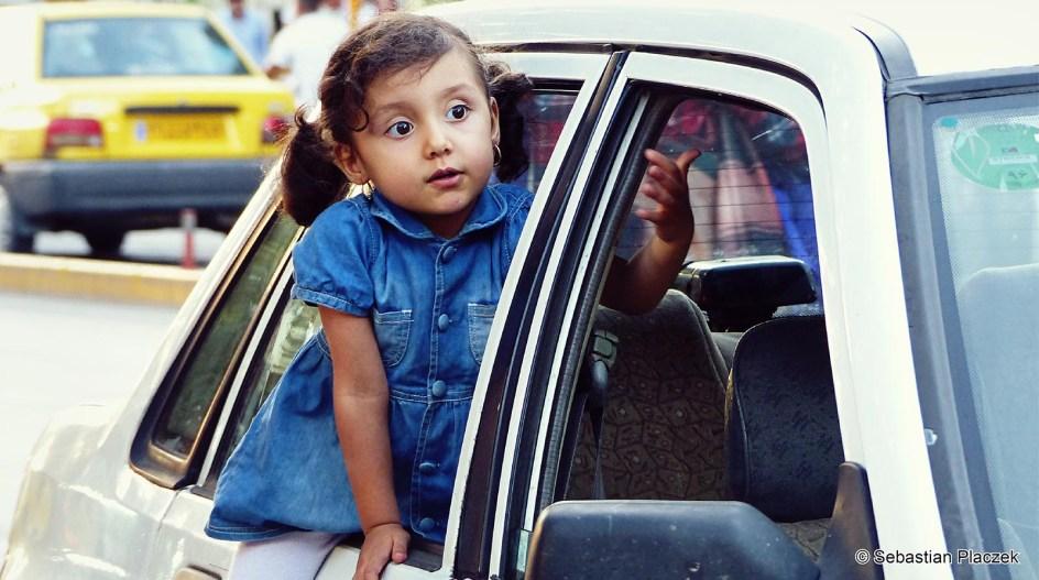 Iran, dziewczynka z Jazd - zdjęcia