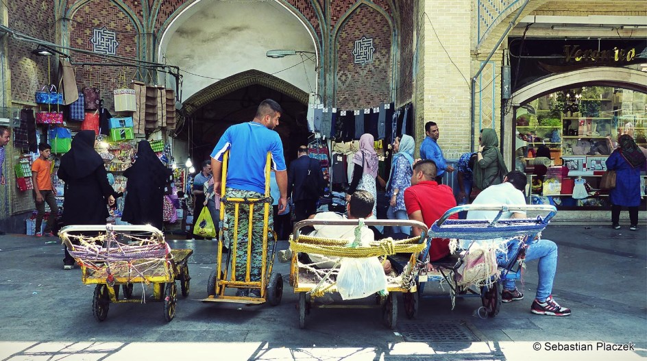Iran, Teheran, zdjęcia z wielkiego bazaru, handel w Iranie