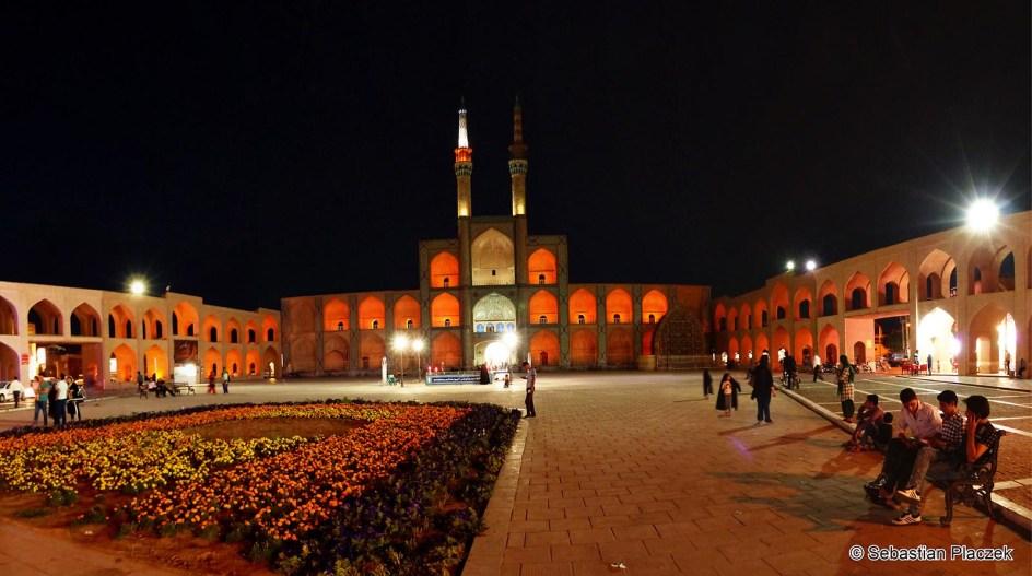 IRAN, Jazd. Centrum miasta. Kompleks Amir Czakmagh - foto