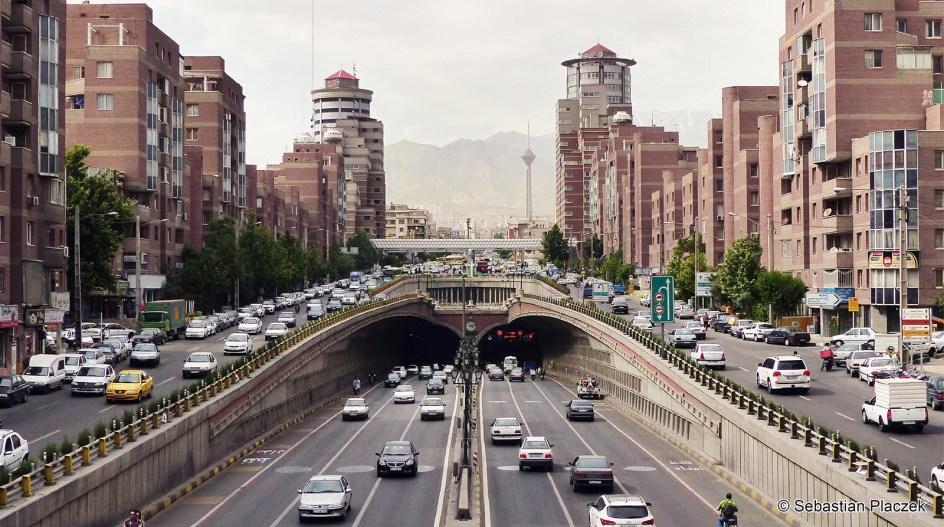 Iran, Teheran, ruch uliczny - zdjęcia z podróży