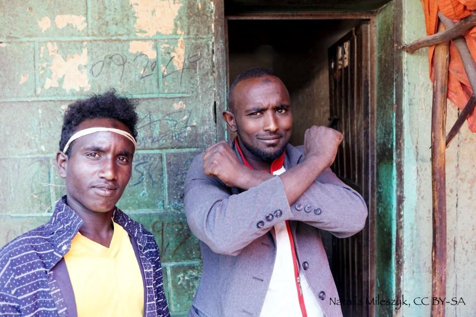 Aweday w Etiopii. Mężczyźni z grupy Oromów - podróż