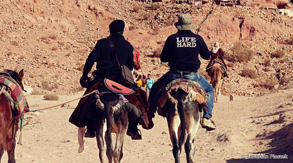 Jordania, Petra, przewoźnicy, turyści