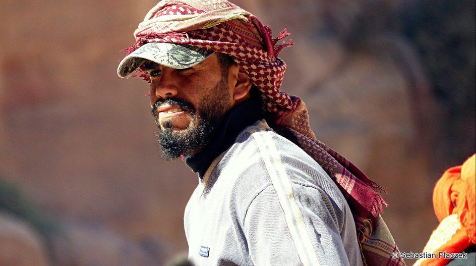 Jordania, zdjęcia z Petry, jeden z Jordańczyków zajmujących się biznesem turystycznym