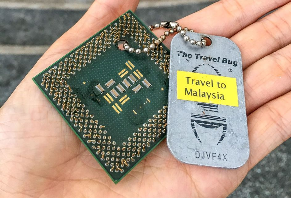 Geocaching, travel bug