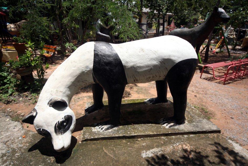 T^ajlandia, Wat Pa Lak Roi, dziwne zwierzęta, zdjęcia,