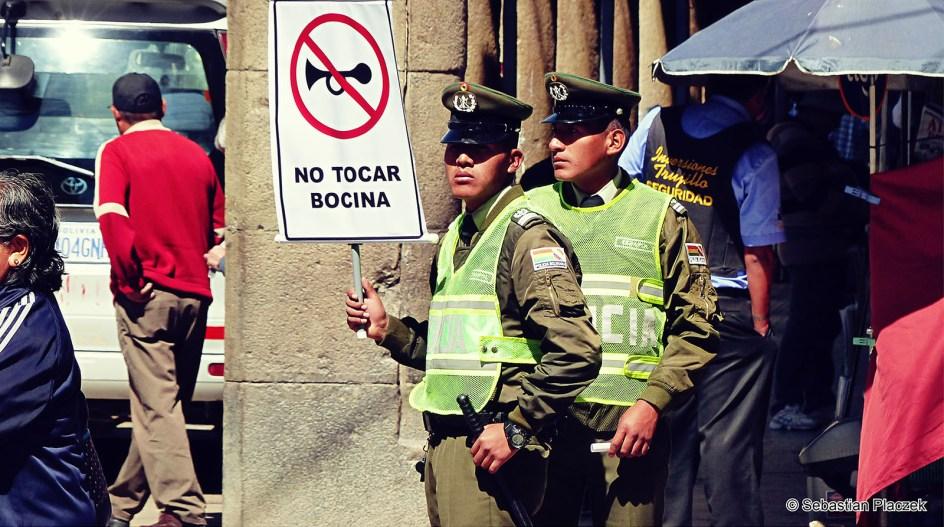 Boliwia, Oruro, policja w centrum miasta, podróże, zdjęcia