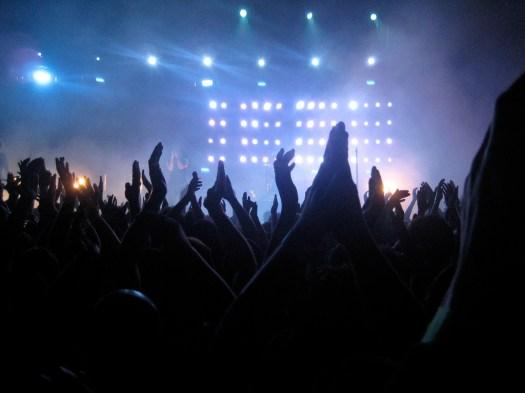 NIN Live, hands raised