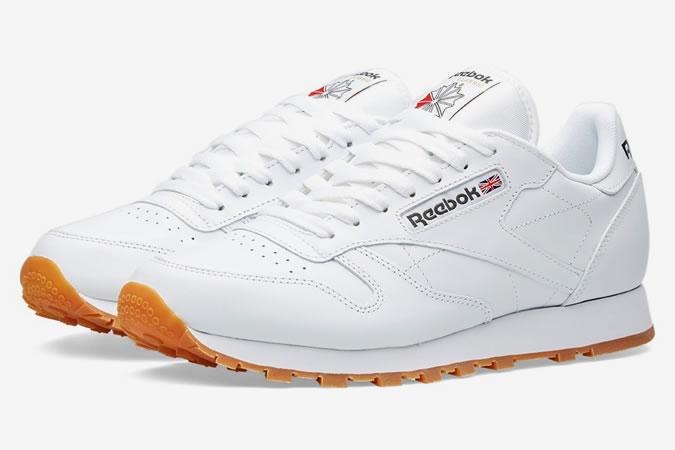 ea3d287982b ... η περίπτωση του ανδρικού αθλητικού παπουτσιού που κατόρθωσε να μείνει  στην ιστορία για το design του, λευκά μεν αλλά και δερμάτινα παράλληλα.