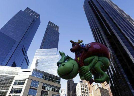 Εκατομμύρια άνθρωποι στους δρόμους της Νέας Υόρκης για την παρέλαση της Ημέρας των Ευχαριστιών