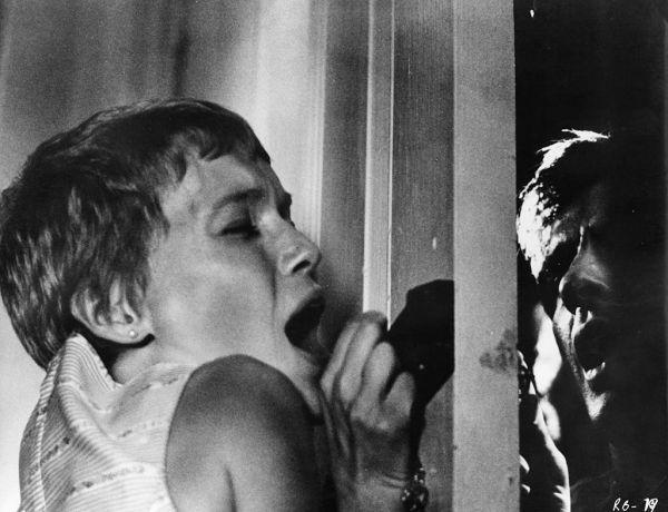 10 ταινίες τρόμου που θα σε βάλουν στο κλίμα του Halloween!