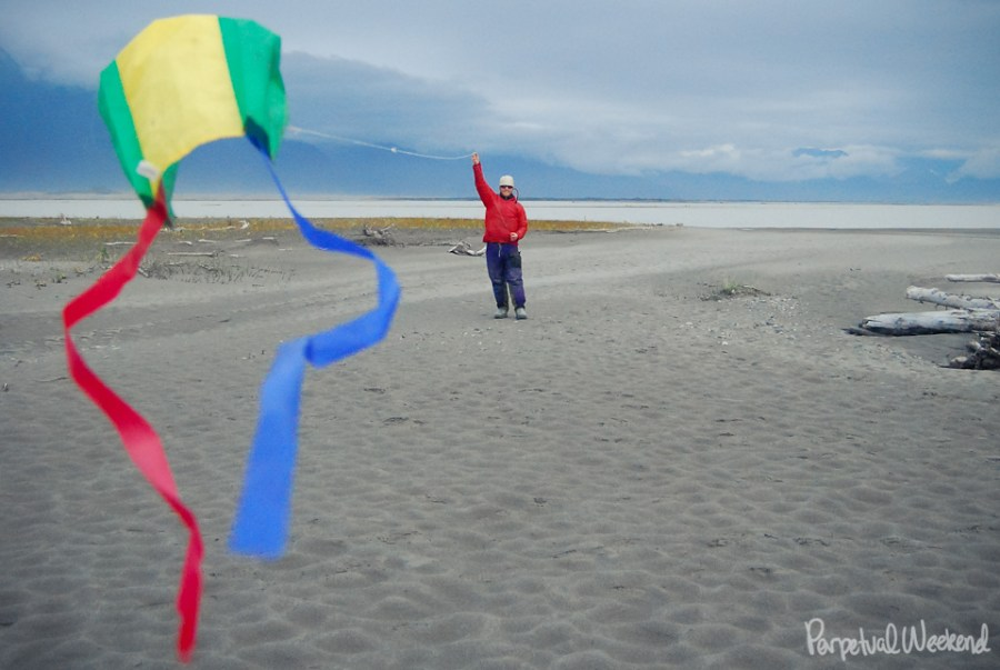 copper river, kite, flying, expedition rafting, camping gravel bar