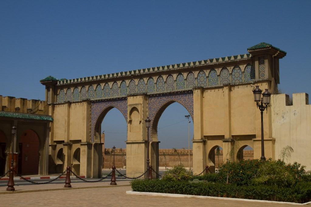 Dentro de la ciudad amurallada - Meknès, Marruecos