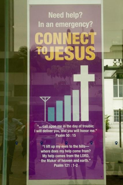 """Cartel cristiano en Singapur: """"Conecta con Jesús"""""""