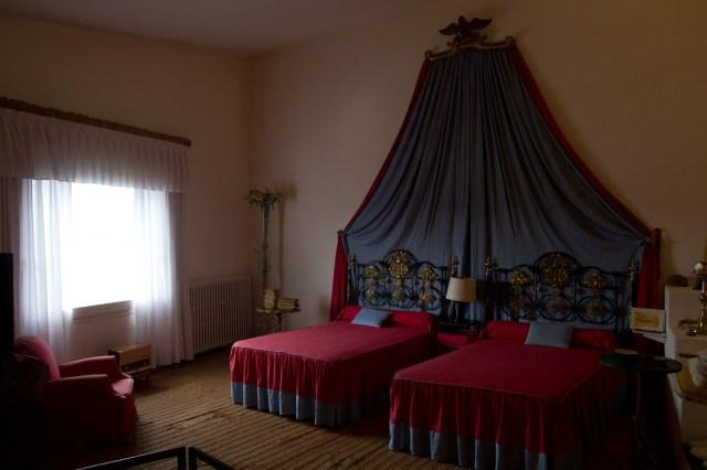 Habitación de Dalí y Gala en su antigua casa en Portlligat, Cadaqués