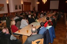 Viele Perschlinger nahmen an der Generalversammlung der Ortsgemeinschaft im Saal des Gasthauses Wurlitzer teil