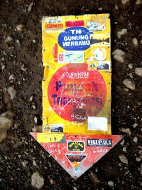 Plang Taman Nasional Gunung Merbabu yang tak terawat