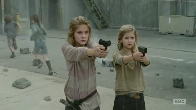 Lizzie and her sister defend Tyreese
